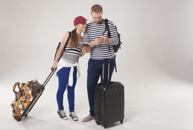 旅行するカップル18